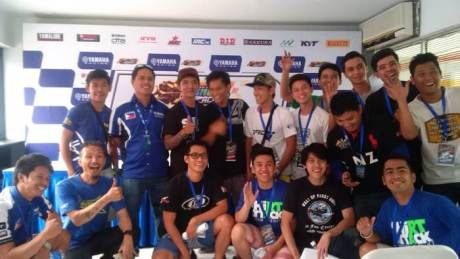 Tim dan pebalap Filipina di Sentul International Circuit yamaha sunday race 2015 seri 3 pertamax7.com