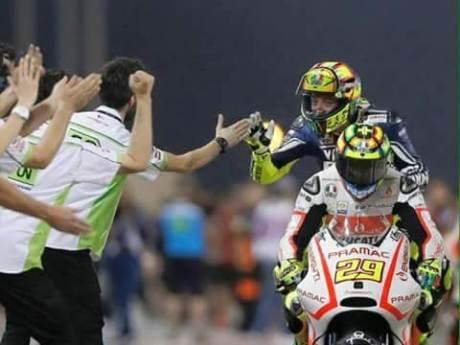 Valentino Rossi Sayangkan Tindakan Fansnya yang Menyinggung Iannone [ Itali bantu Spanyol ] 00 pertamax7.com