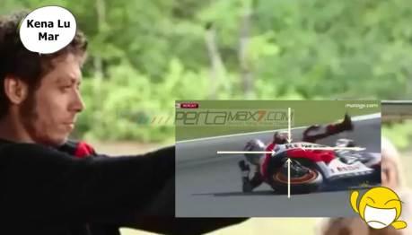 Video Viral Rossi Mbedil Marquez Sampai Jumpalitan ini Bikin Ngakak pertamax7.com