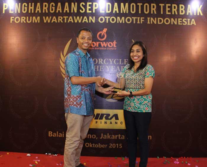 Yamaha-NMAX-2015-Motorcycle-of-The-Year-versi-Forum-Wartawan-Otomotif-Indonesia-(Forwot)-Award-pertamax7.com