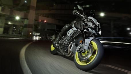 2016 New Yamaha MT-10 2016-Yamaha-MT-10-EU-Night-Fluo-Action-001 kecul Pertamax7.com