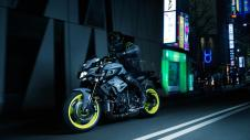 2016 New Yamaha MT-10 2016-Yamaha-MT-10-EU-Night-Fluo-Action-009 Pertamax7.com