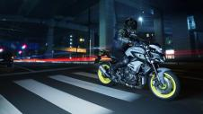 2016 New Yamaha MT-10 2016-Yamaha-MT-10-EU-Night-Fluo-Action-011 Pertamax7.com