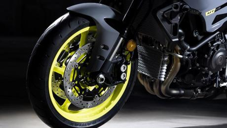 2016 New Yamaha MT-10 2016-Yamaha-MT-10-EU-Night-Fluo-Detail-008 Pertamax7.com