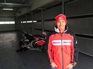 Aksi Pertama Nicky Hayden geber Honda CBR1000RR di WSBK 06 Pertamax7.com