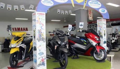 Display-motor-Yamaha-di-Main-Dealer-STSJ-di-Banjarmasin-1