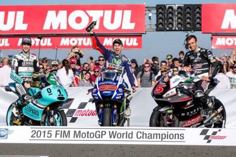 Foto Selebrasi Lorenzo Juara Dunia Motogp 2015, Awas Jangan dibuka 02 Pertamax7.com