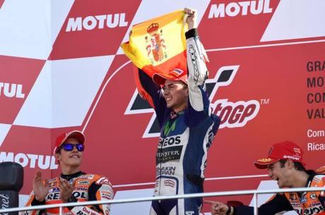 Foto Selebrasi Lorenzo Juara Dunia Motogp 2015, Awas Jangan dibuka 03 Pertamax7.com