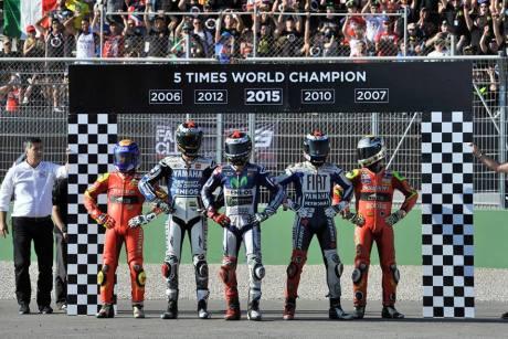 Foto Selebrasi Lorenzo Juara Dunia Motogp 2015, Awas Jangan dibuka 06 Pertamax7.com