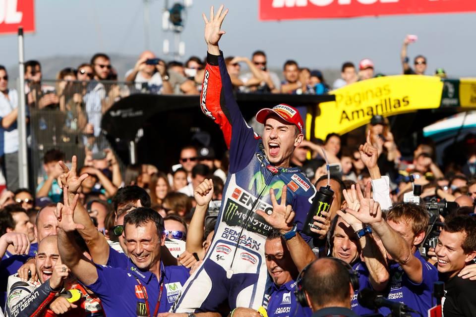 Foto Selebrasi Lorenzo Juara Dunia Motogp 2015, Awas Jangan dibuka 08 Pertamax7.com