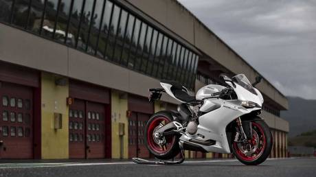 Ini dia Ducati 959 Panigale The Perfect Balance Power 157 HP bobot 195 KG 01 Pertamax7.com