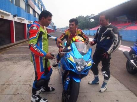 Juara Suzuki Indonesia Challenge Satria F150 berlatih dengan GSX-6000 dan GSX-R1000, dari bebek 150 cc siap loncat Tampil di Supersport 600 00 pertamax7.com