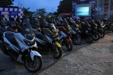liputan Barisan motor anggota Yamaha Riders Federation Indonesia (YRFI) di Jambore Nasional ke-3 di Pantai Pangandaran pertamax7.com