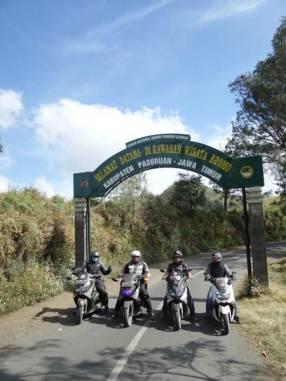 Liputan Surakarta Max Owner saat turing ke Gunung Bromo (2) pertamax7.com