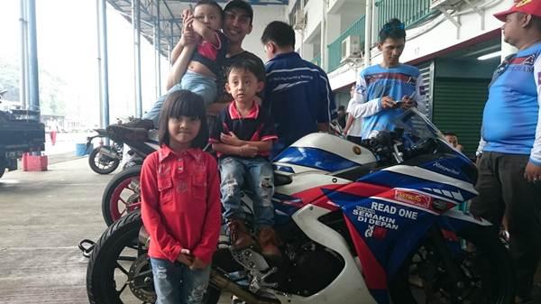 LiputanSekeluarga menonton Seri 3 Yamaha Sunday Race di Sentul International Circuit pertamax7.com