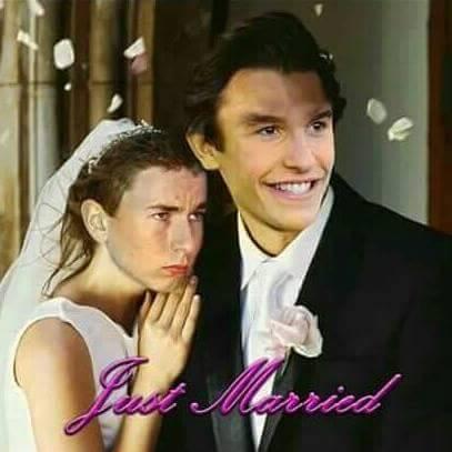 Meme Pernikahan Marquez dengan Lorenzo ini Jadi Kaos Fans Rossi di valencia, Ngakak bin Panas pertamax7.com