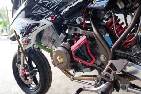 Modifikasi Kawasaki KSR 110 pakai Mesin Honda CBR150R Karbu ini Imut tapi sadis 06 Pertamax7.com