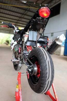 Modifikasi Kawasaki KSR 110 pakai Mesin Honda CBR150R Karbu ini Imut tapi sadis 10 Pertamax7.com