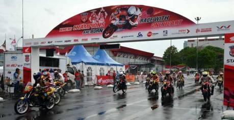 Nih Hasil Final Pebalap dan Tim terbaik HRC 2015, AHM Konsisten Lahirkan Pebalap Muda Berbakat pertamax7.com 2