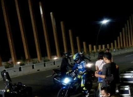 syuting iklan suzuki satria F injeksi 2016 di pondok cabe pulau jakarta pertamax7.com