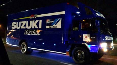 Truk-Balap-Suzuki-ECSTAR-Motogp-nongol-di-Pulau-Jakarta,-Buat-Syuting-Iklan-Satria-F-Injeksi-nih-pertamax7.com-
