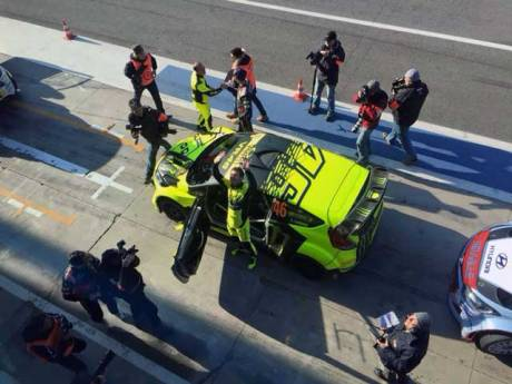 Valentino-Rossi-Juara-1-Monza-Rally-Show-2015,-selamat-pertamax7.com-3