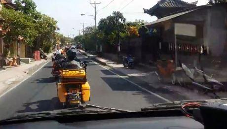 Video Mogeh Harley tak mau kasih jalan Ambulance ini lagi hangat di internet pertamax7.com  2
