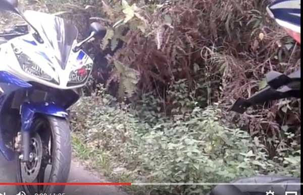 Yamaha-R15-berasap-putih-Saat-di-Geber--Video]-pertamax7.com-
