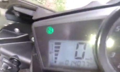 Yamaha R15 Ngebul Saat di Geber [ Video ] pertamax7.com