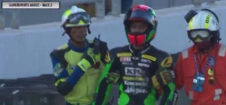 Detik detik yudhistira terjatuh di race 2 final asia road racing championship 2015 kelas supersport 600 cc 07 Pertamax7.com