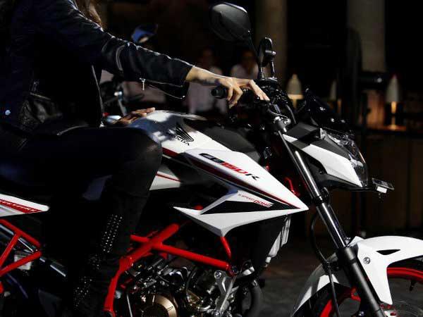 honda-CB150R-special-edition-new-speedy-white-pertamax7.com