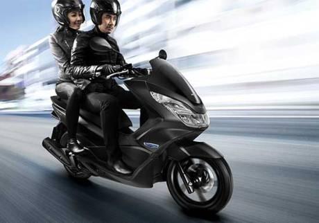 Honda_PCX_125cc_phien_ban_moi_9