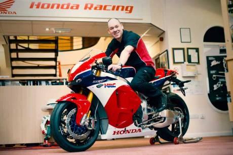 Ini dia Pemilik Honda RC213V-S Pertama di Dunia 01 Pertamax7.com