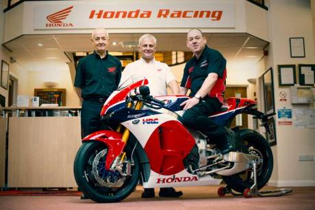 Ini dia Pemilik Honda RC213V-S Pertama di Dunia 02 Pertamax7.com