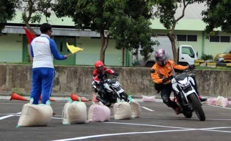 liputan Ajari Ilmu Balap ke Komunitas, AHM Gelar All New Honda CB150R Streetfire Track Day 01 Pertamax7.com