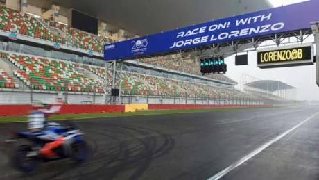 Lorenzo Kenalkan Yamaha R3 di India, Sirkuit Internasional Buddh Ramai 05 Pertamax7.com