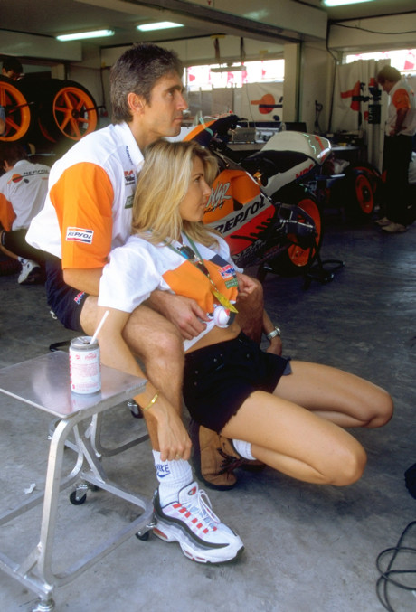 Mick Doohan honda nsr 500R and seline sines grand prix indonesia 1996 pertamax7.com