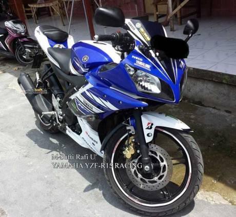 Modifikasi Yamaha R15 Biru pakai Decal aka Striping Yamaha YZF-R25 Concept pertamax7.com 1
