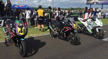 nakarin-atiratphuvapat-honda-CBR250R-asia-road-racing-championship-2015-pertamax7.com-