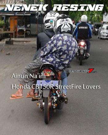 Nenek-Bonceng-Suzuki-Satria-Ban-Cacing,-Resing-men...-pertamax7.com-