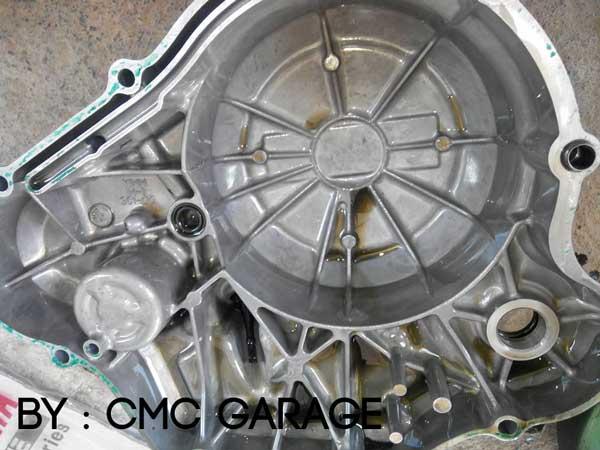 Pakai Oli Motul 5100 Ester 10W40 4T, Jerohan Mesin Yamaha Old Vixion ini bersih banget 04 Pertamax7.com