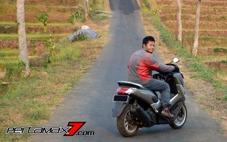 Testride Yamaha NMAX 155 ABS, Handling Mantabh Pengereman Akurat.. Tabungan Alamat 10 Pertamax7.com