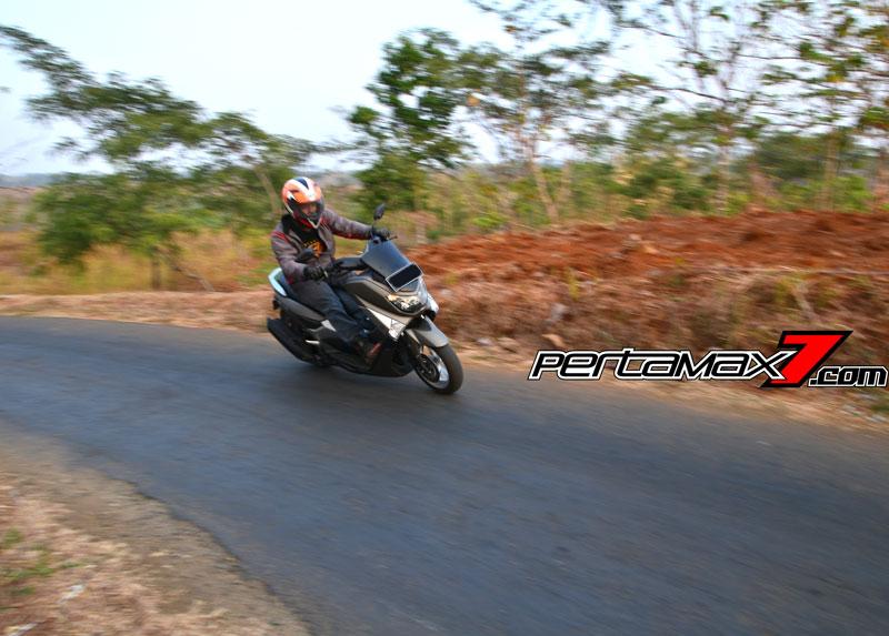 Testride Yamaha NMAX 155 ABS, Handling Mantabh Pengereman Akurat.. Tabungan Alamat 14 Pertamax7.com