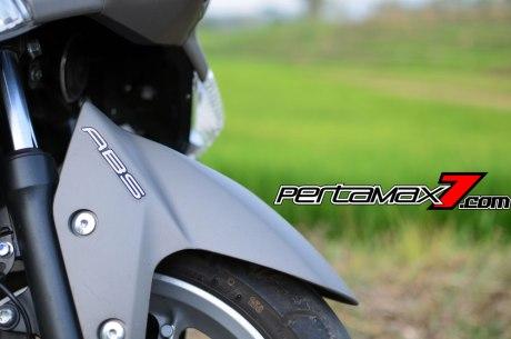 Testride Yamaha NMAX 155 ABS, Handling Mantabh Pengereman Akurat.. Tabungan Alamat 18 Pertamax7.com