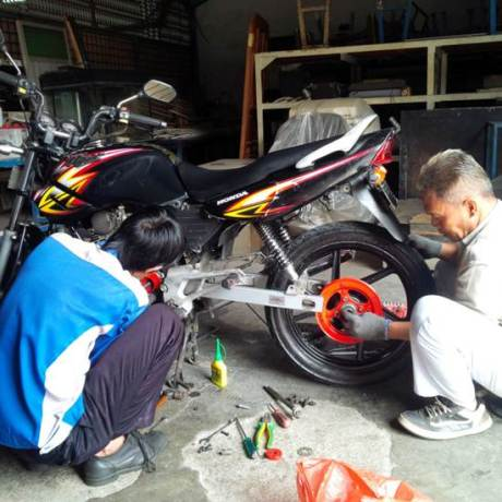 Uji Gear Sinnob versi BELT masih berlanjut, dipasang di Honda CB150R dan Tiger hadapi Hujan lumpur dan dikasih Oli 04 pertamax7.com