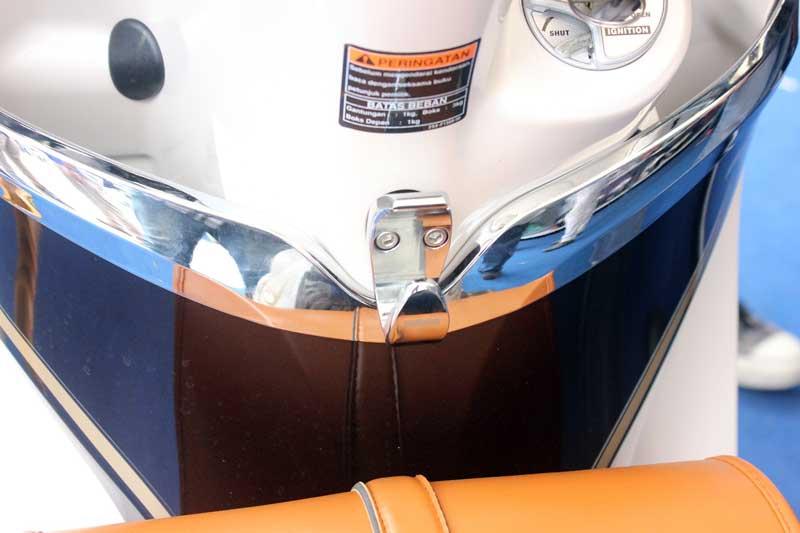 Hook  dan cover inner Aksesoris Yamaha Fino 125 Blue core 05 Pertamax7.com