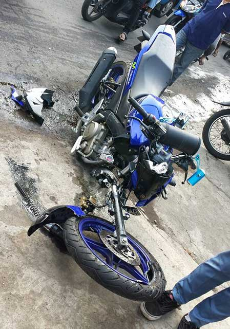 Kecelakaan 3 motor di malang yamaha new vixion advance movistar sampai remuk Advance motor