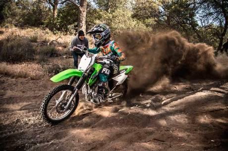Kenalan Dengan Kawasaki KLX 140, Motor Khusus Offroad Seharga Rp.43 jutaan Mirip KLX 150 21 Pertamax7.com