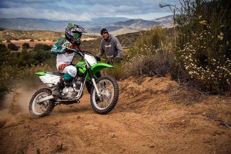 Kenalan Dengan Kawasaki KLX 140, Motor Khusus Offroad Seharga Rp.43 jutaan Mirip KLX 150 22 Pertamax7.com