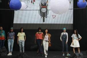 Liputan Mini runway fashion di peluncuran New Fino 125 Blue Core di Bandung (2) pertamax7.com